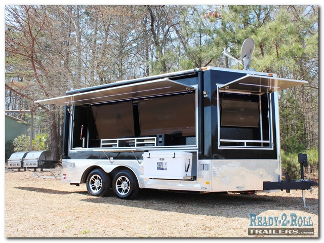 8x14 Extreme Tailgater w/ V-Nose Entertainment Area